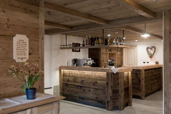 170530-martinlugger-lanser-0239-hausbar-rezeption